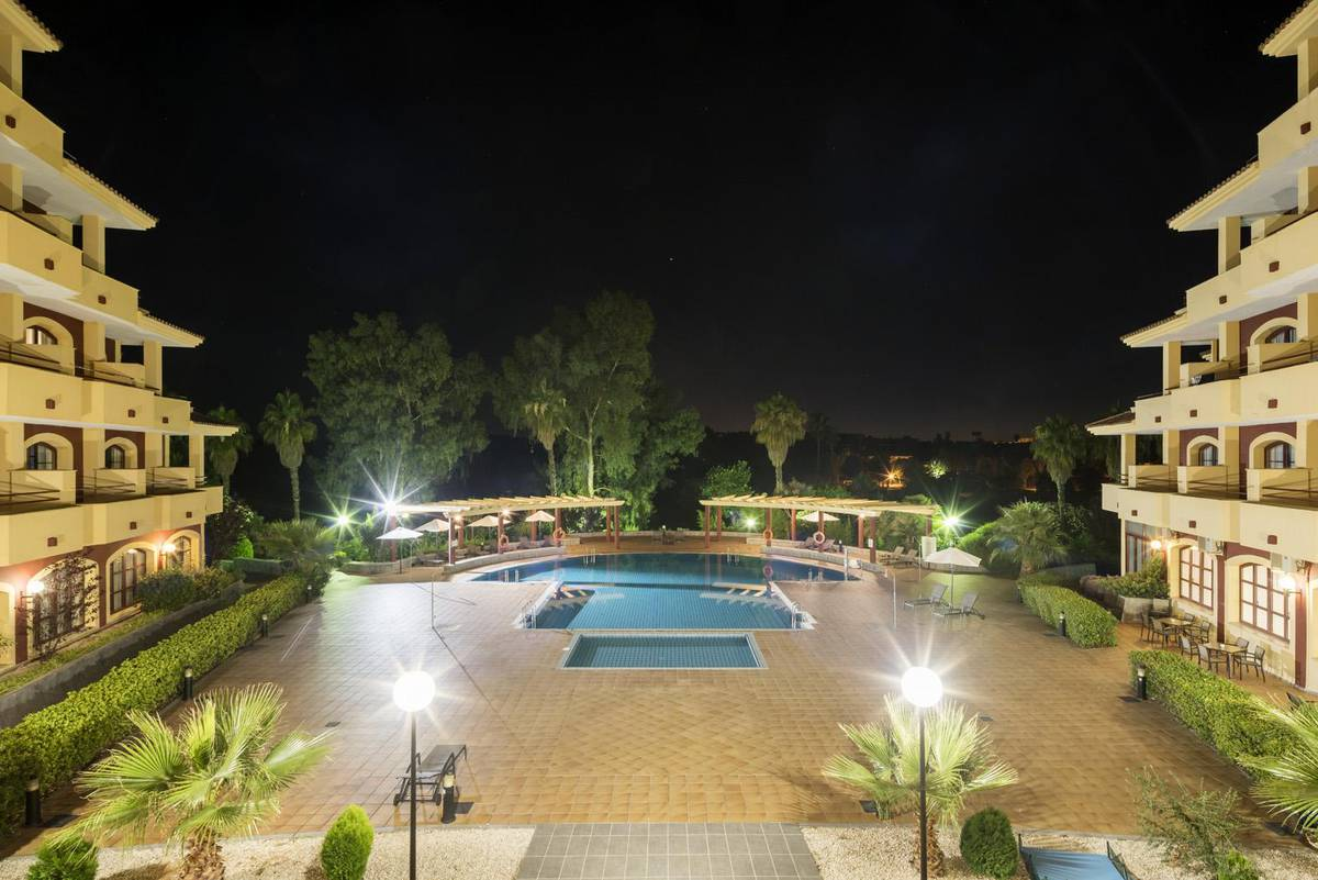 PISCINA ILUNION GOLF BADAJOZ